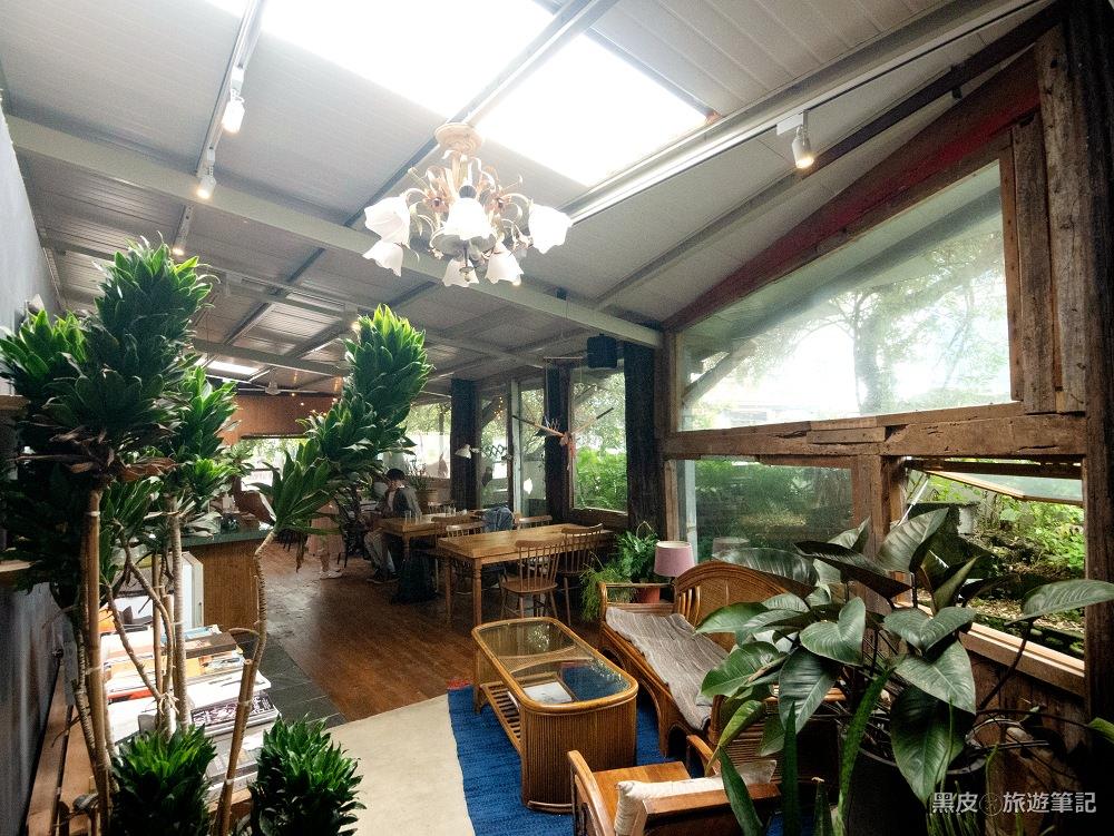 花蓮咖啡廳。七星潭龍宮│在奇幻的洞穴中尋找一處靜謐的午後/花蓮早午餐
