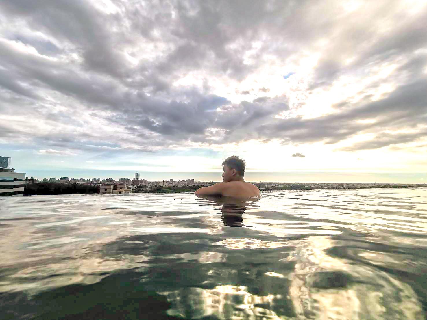 嘉義住宿。承億文旅–桃城茶樣子 嘉義市景無邊際泳池,泳池邊星空酒吧,與茶共澡的假期