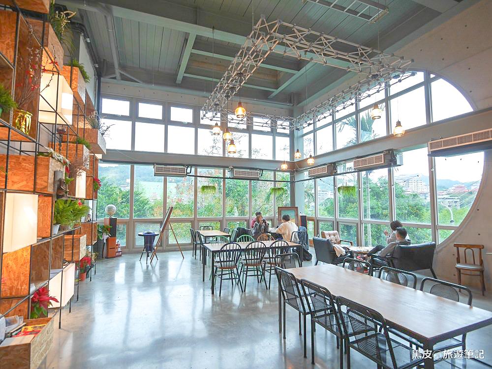 新北美食。Arc Cafe深坑咖啡廳│充滿藝術氣息的玻璃屋,清水模工業風/深坑老街咖啡廳