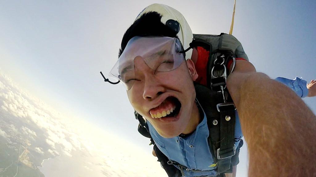 關島必排行程 ‧ 高空跳傘 一萬四千英尺的刺激難忘之旅 . 俯瞰最美的風景
