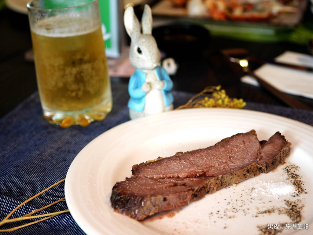 台中。美食│星饗道 國際自助餐.台中美食推薦.乾式熟成牛排無限享用.壽星還有樂齡70歲以上都有優惠唷