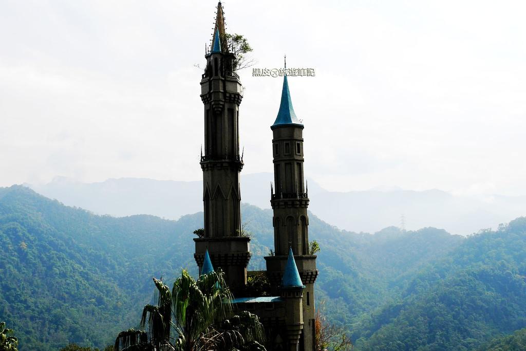 """【新竹※景點】佛陀世界城堡 最接近天空的城堡 沉寂已久的""""童話世界""""彷彿活過來了"""